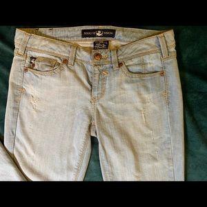 torrid Jeans - EUC Torrid Source of Wisdom Jeans